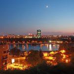Sumrak pogled na Novi Beograd
